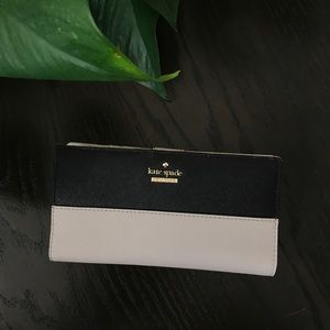 NWT Kate Spade Cameron Street Stacy wallet